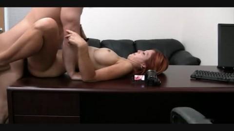 casting vicieux et baise pour une amatrice du porno