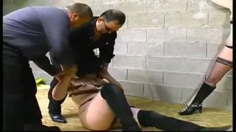 Thumb for Les tourtereaux s'offrent de bons pr�liminaires avant que les salopes ne subissent une torture extr�me