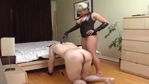couple maso se livre � des jeux coquins